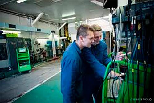 automechanik dálkově
