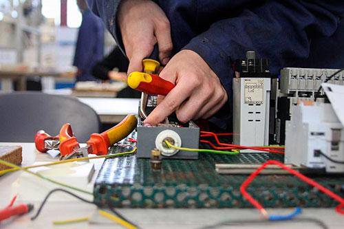 elektrikář dálkový zkrácený
